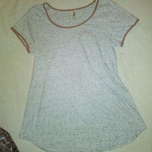Lula Roe classic shirt, size medium, high/low